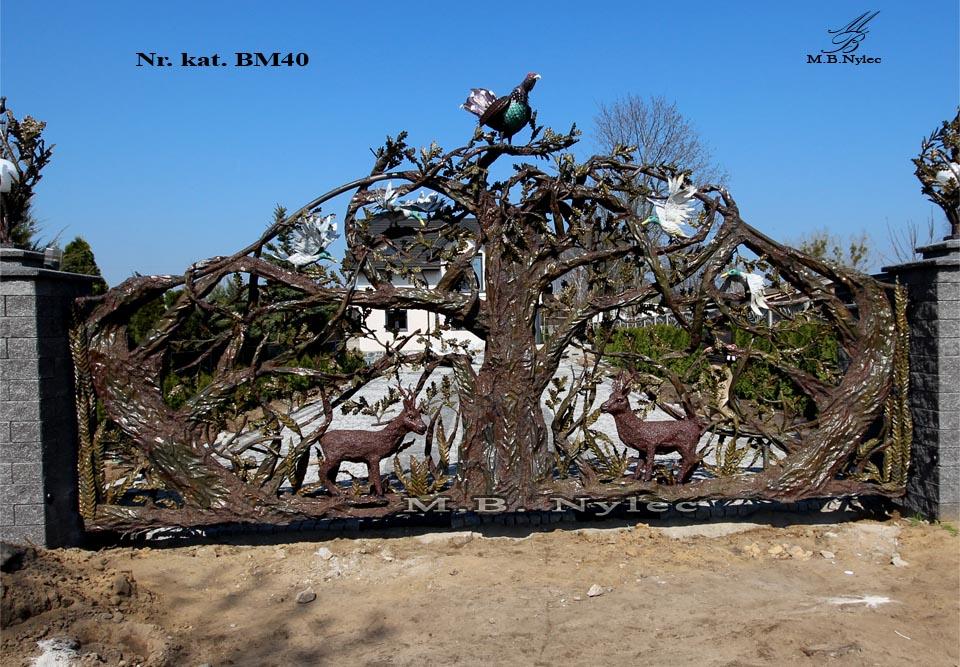 Rzeźba z metalu - designerska brama kuta - bm40