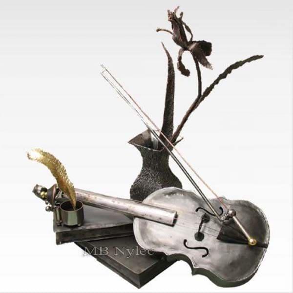 figura z metalu - rzeźba ze stali - metaloplastyka - nr.kat Z56