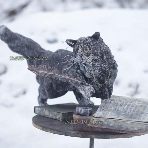 figury metalowe - kot naukowiec ze stali - metaloplastyka - nr.kat. Z73