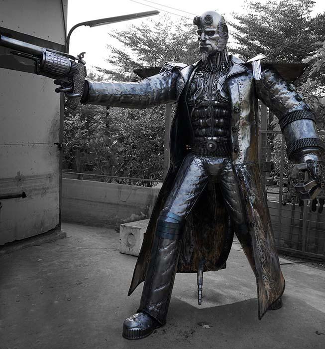 rzeźba z metalu - rzeźba filmowa - Hellboy - skala 1:1 - numer kat. Z35