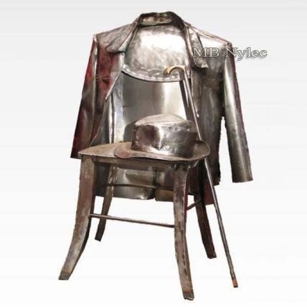 rzeźby z metalu - krzesło z marynarką - figury ze stali - nr.kat Z55