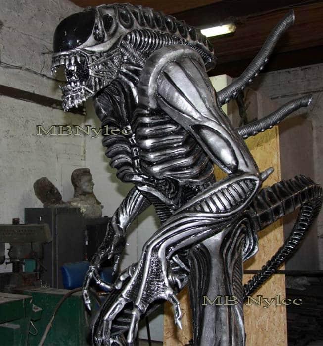 rzeźby z metalu - alien ze stali - skala 1:1 - alien kontra predator - nr.kat .Z72