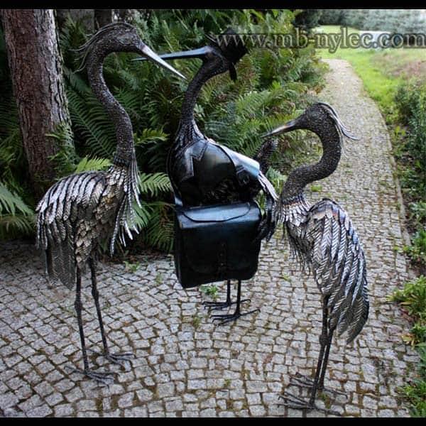 rzeźby z metalu - ptaki z metali - na zdjęciu: czapla Z2, Z2, bocian Z9