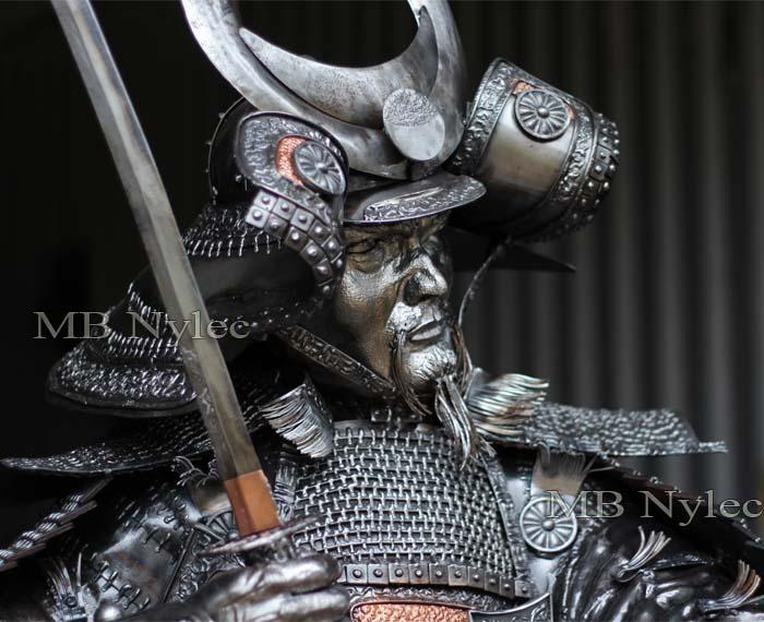 rzeźby z metalu - samuraj ze stali - metaloplastyka MB Nylec