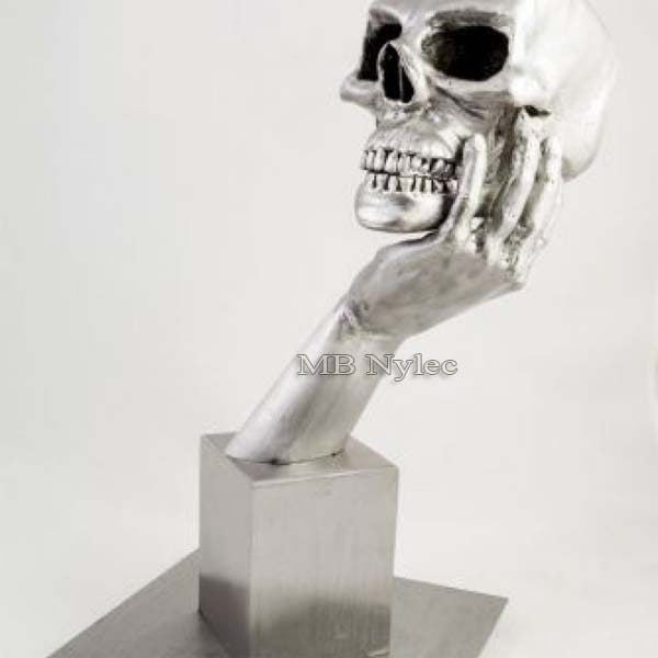 rzeźby ze stali - hamlet - czaszka ze stali - metaloplastyka - nr.kat.Z57