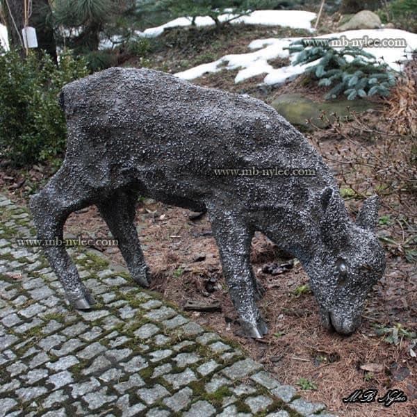 rzeźby ze stali - sarna z metalu - skala 1:1 - metaloplastyka Dębica - numer kat.Z5